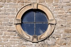 round-window-stone-frame-detail-47385614